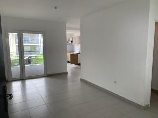 Location  STE-CLOTILDE appartement 2 pieces, 48m2 habitables, a STE-CLOTILDE